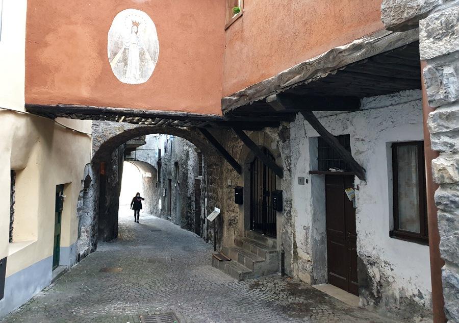 riva di solto_cosa fare_passeggiata_borgo medievale