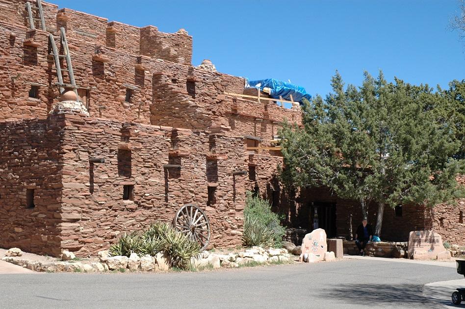 Un edificio del Grand Canyon Village nel South Rim