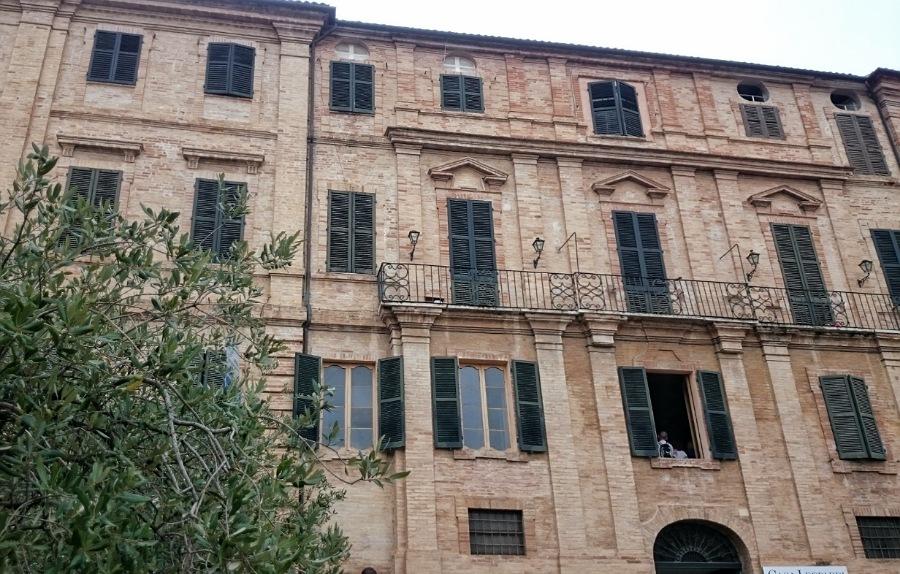 palazzo leopardi_casa natale di giacomo leopardi a recanati