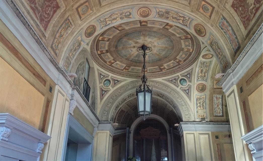 atrio_casa trussardi_affreschi