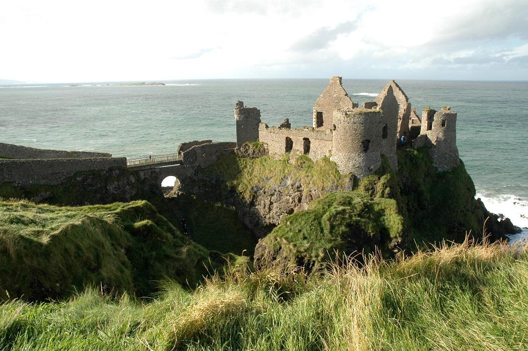 Le rovine del Dunluce Castle in Irlanda del Nord