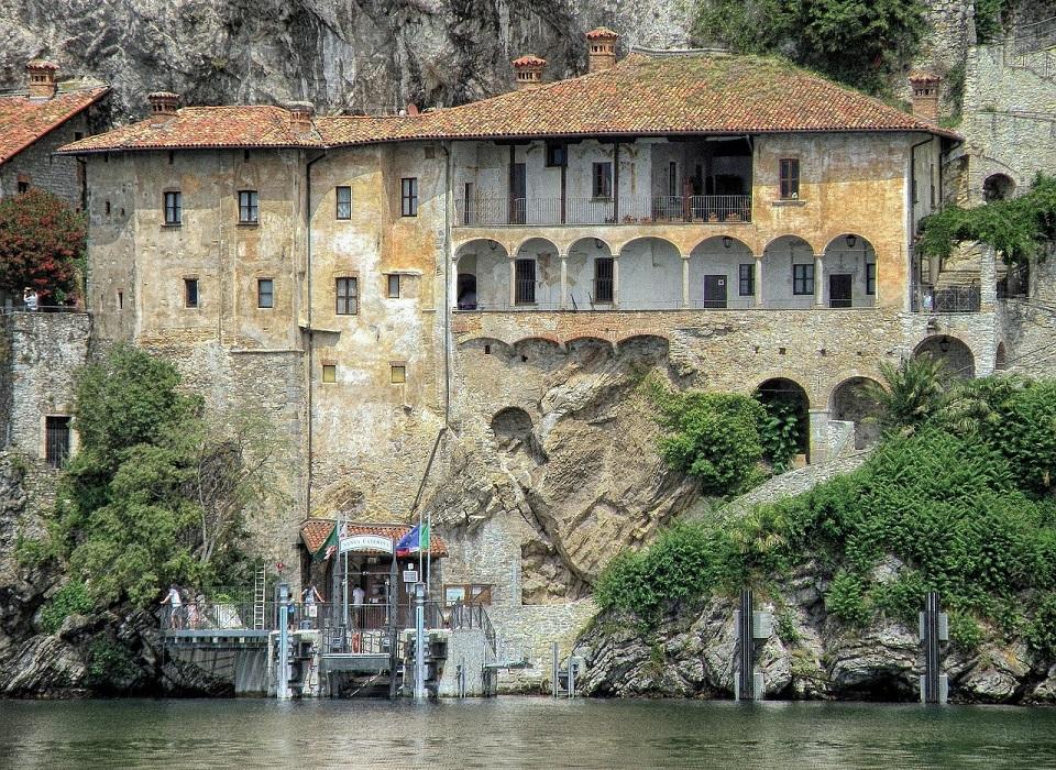 convento meridionale dell'eremo di santa caterina del sasso_lago maggiore