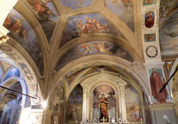 interni della chiesa di santa caterina del sasso_lago maggiore