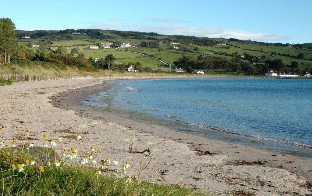 Spiaggia di un villaggio di pescatori: diario di viaggio in Irlanda del Nord