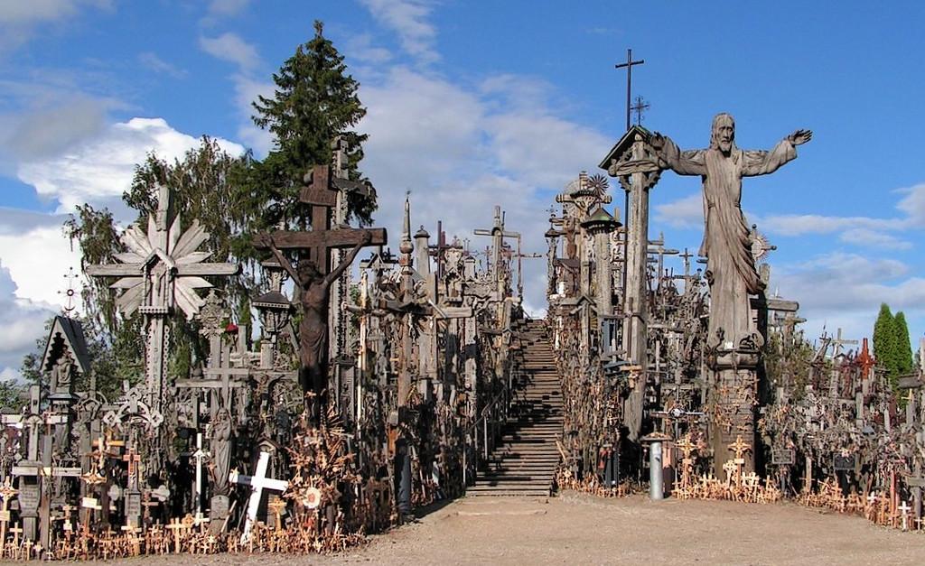 collina delle croci in lituania a siauliai