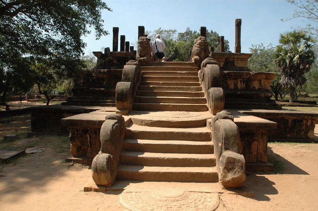 Un altro tempio nell'area archeologica di Polonnaruwa