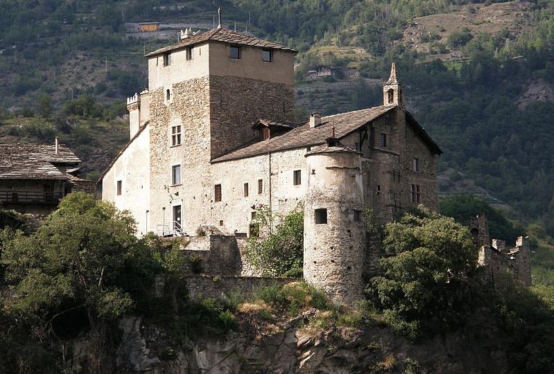castelli della valle d'aosta_sarriod de la tour_cosa vedere