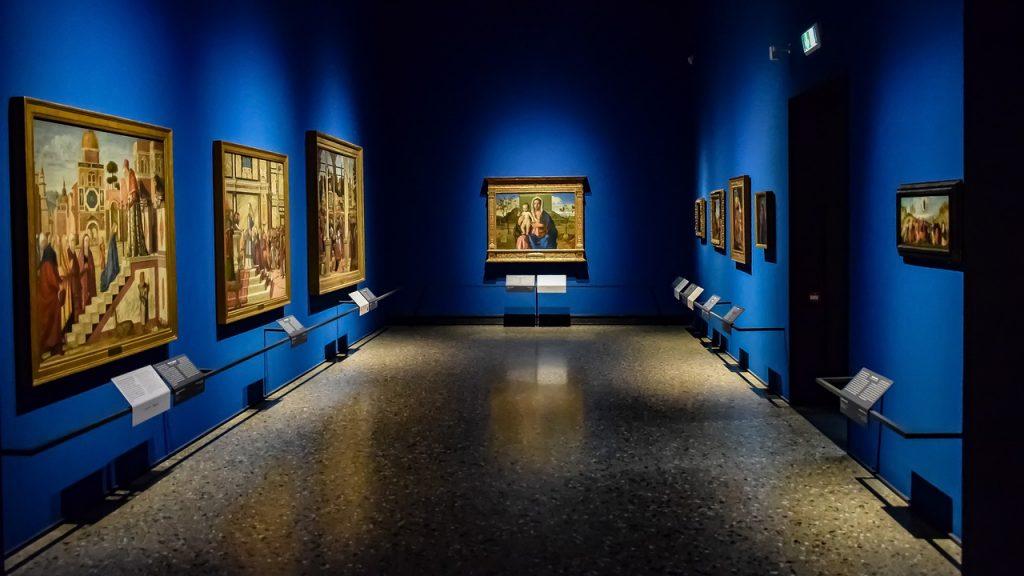 Una sala della Pinacoteca di Brera: cosa vedere
