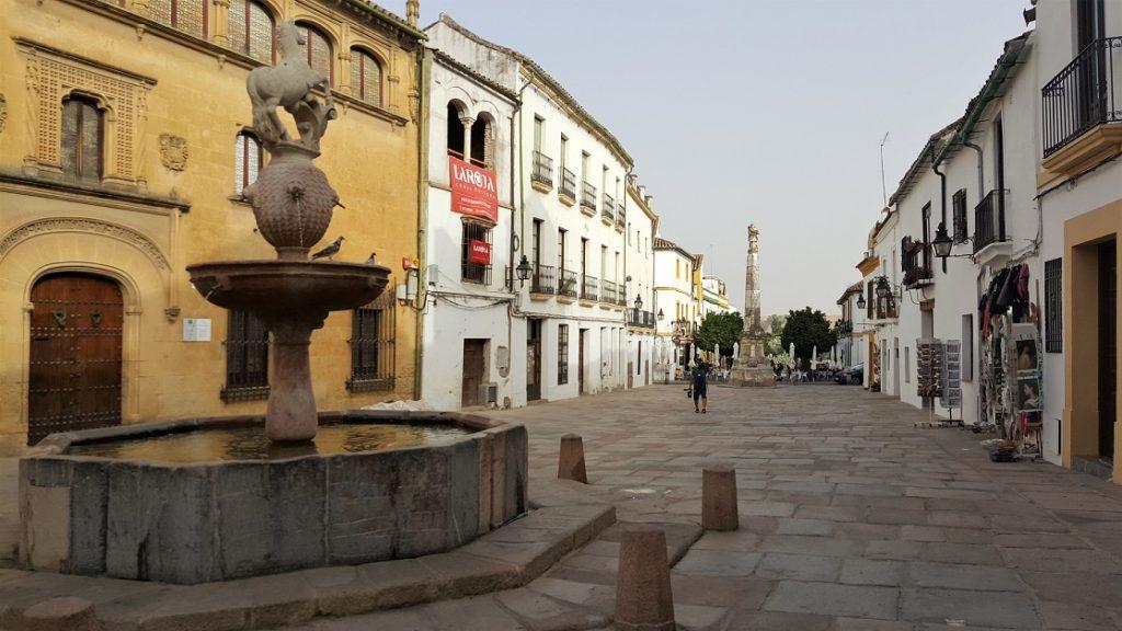 Vicoli di Cordoba, una delle cose da vedere in Andalusia