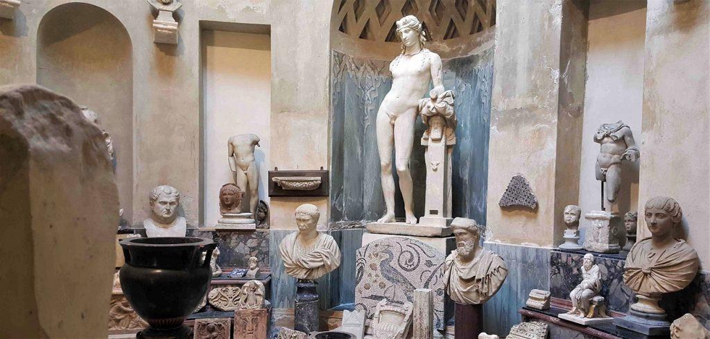 statue nel museo pogliaghi_varese_sacro monte
