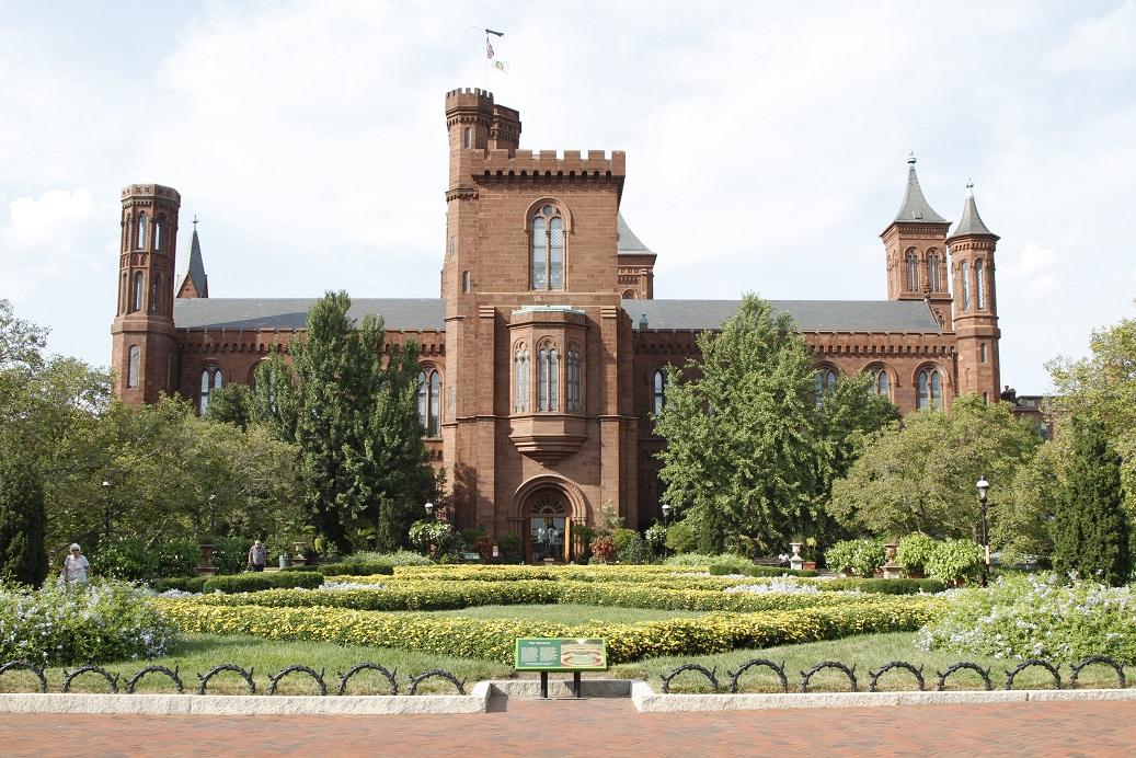 Smithsonian Castle tra le cose da vedere a Washington in un giorno da New York