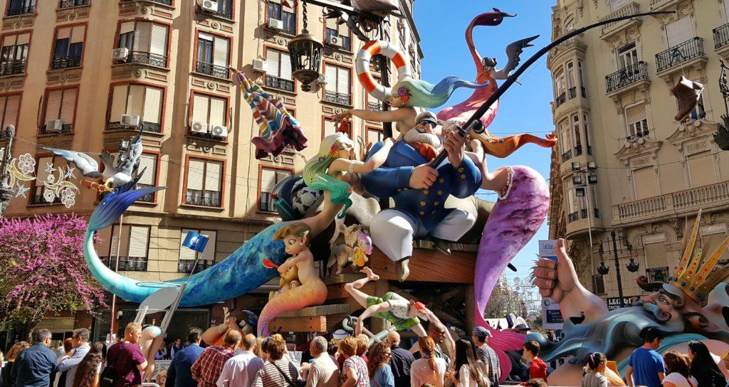 Le Fallas di Valencia lungo le strade della città