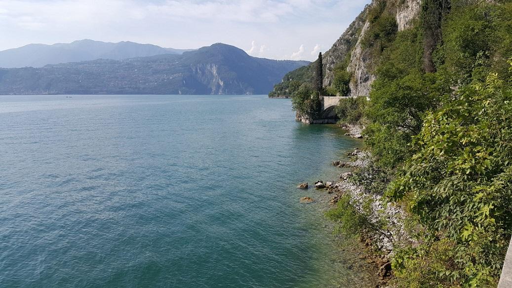 La costa bresciana del Lago d'Iseo tra Vello e Toline