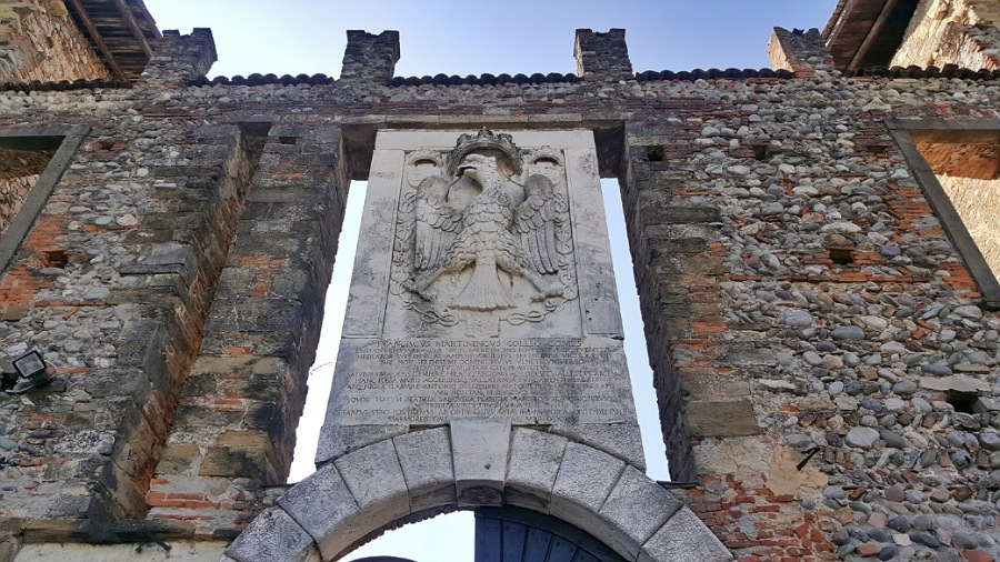 ingresso_cavernago_castello
