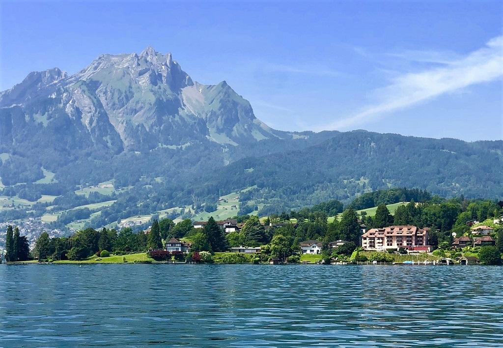 Il Monte Pilatus ed il Lago di Lucerna nell'itinerario in Svizzera
