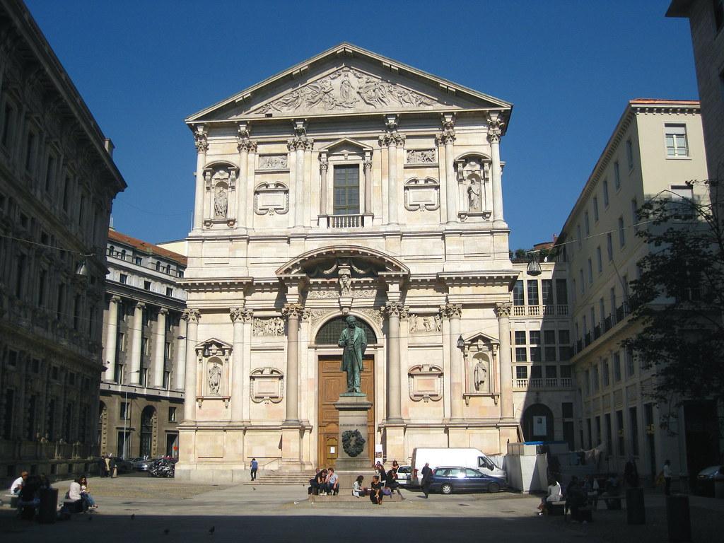 facciata esterna della chiesa di san fedele milano
