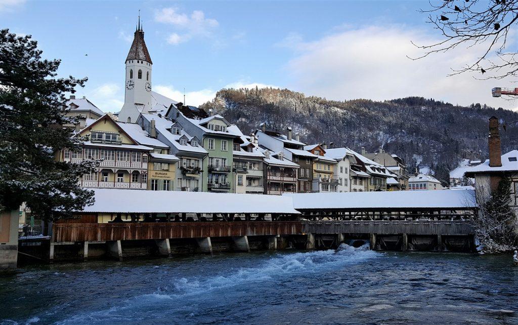 Il ponte in legno di Thun ed il centro storico