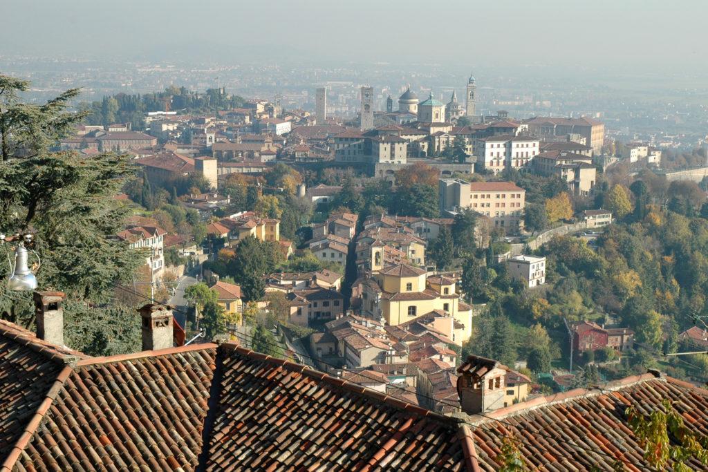 Bergamo alta vista dal colle di San Vigilio