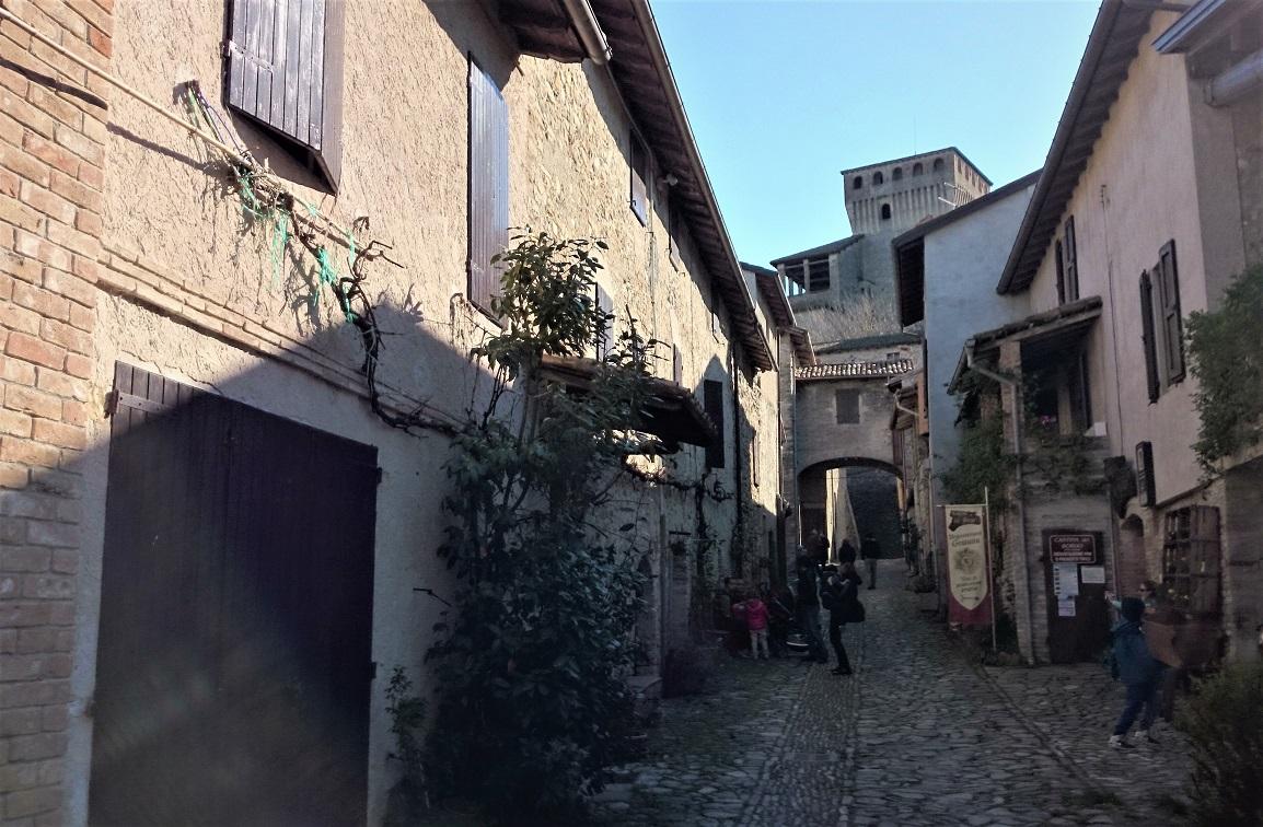 borgo del Castello di Torrechiara