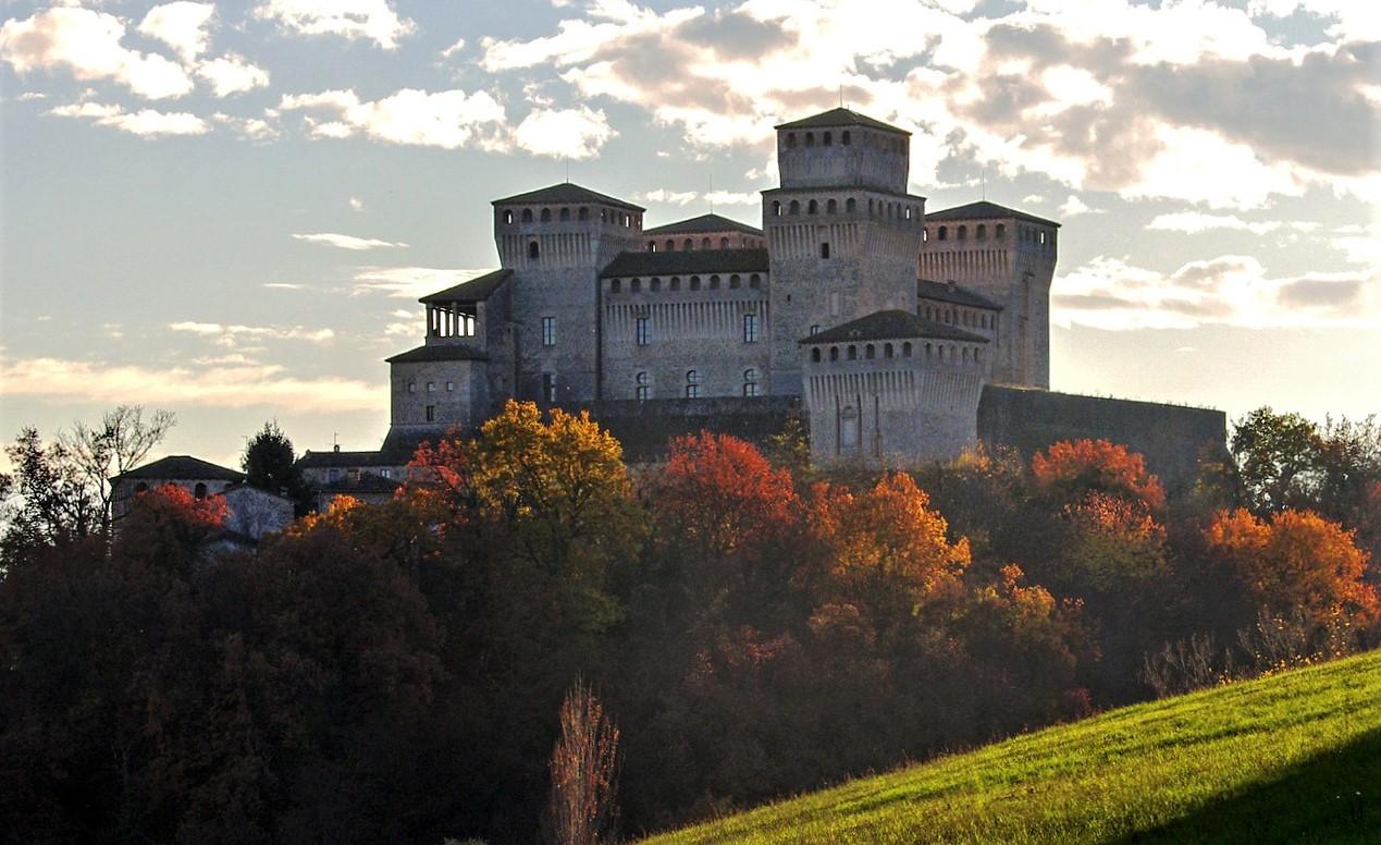 castello di torrechiara vicino a parma_cosa vedere, storia e orari di apertura