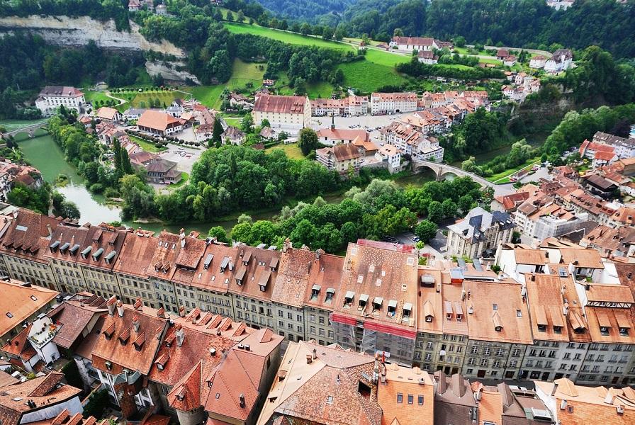 panorama di friburgo dalla torre della cattedrale_svizzera