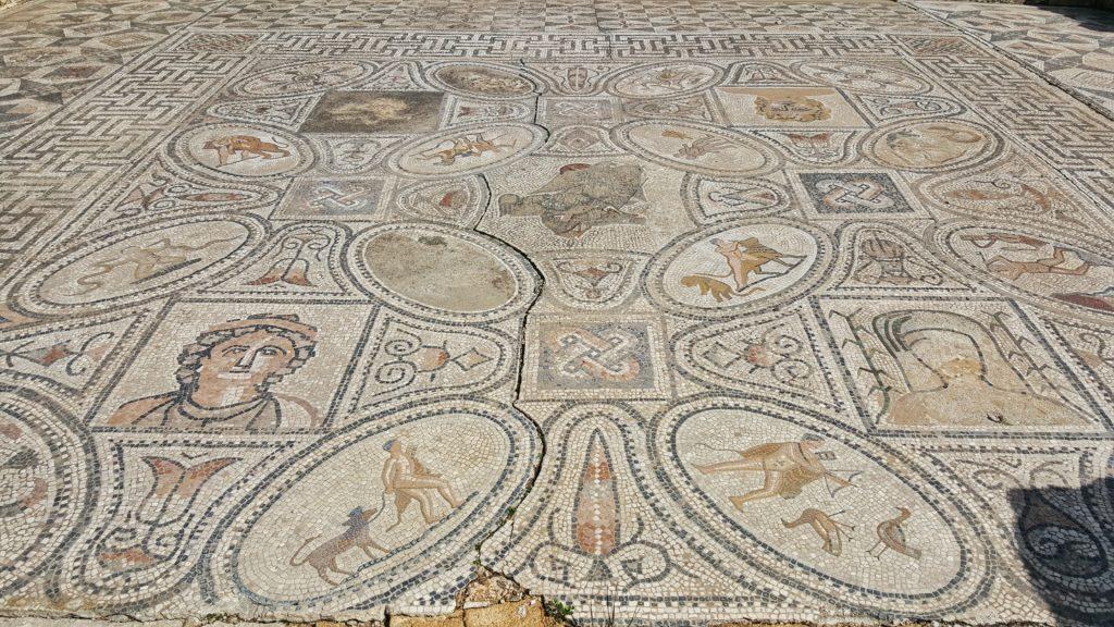 Mosaico di Volubili con le Fatiche di Ercole
