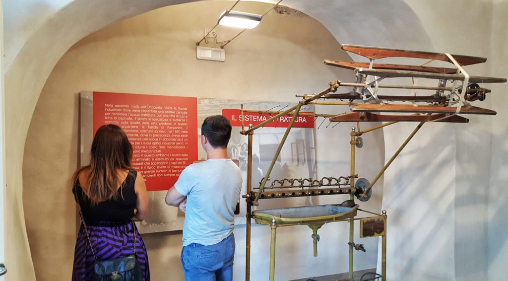 Una sala del Museo della Seta di Ranzanico_val cavallina_dal baco alla seta