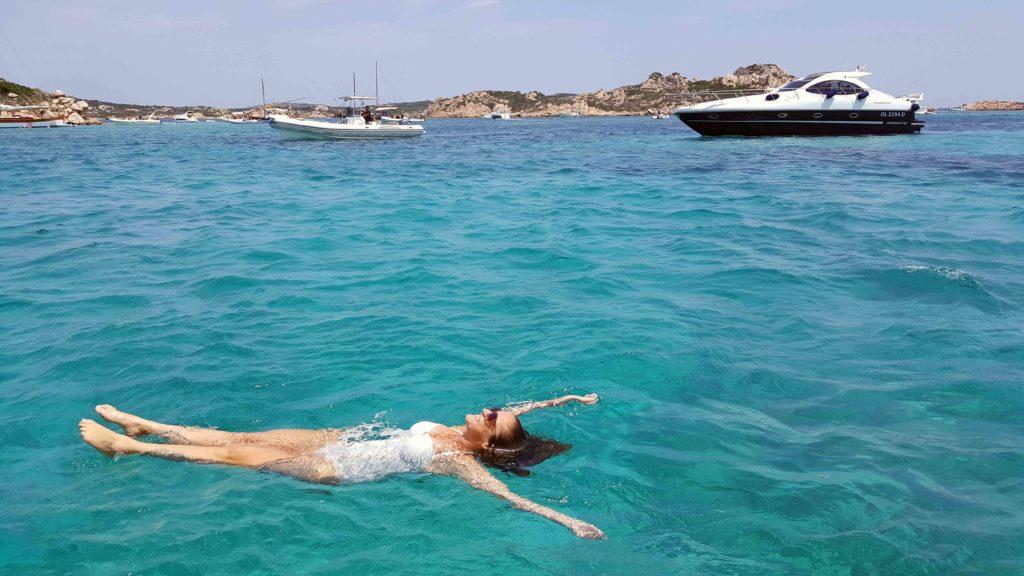 arcipelago maddalena in barca o gommone