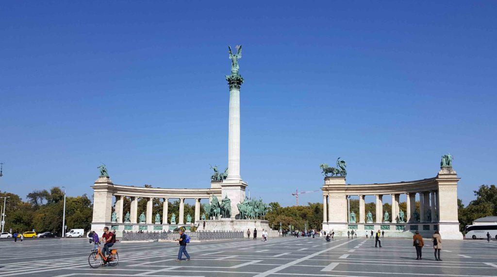 Piazza degli Eroi_cose da vedere a Budapest