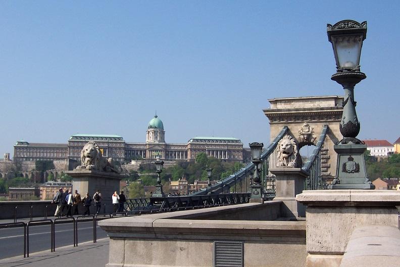 ponte delle catene_palazzo reale_budapest