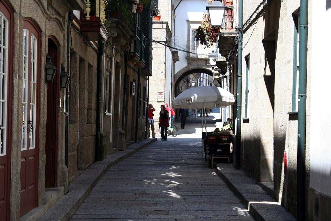 Rua_de_Santa_Maria_Guimaraes_cosa vedere_portogallo
