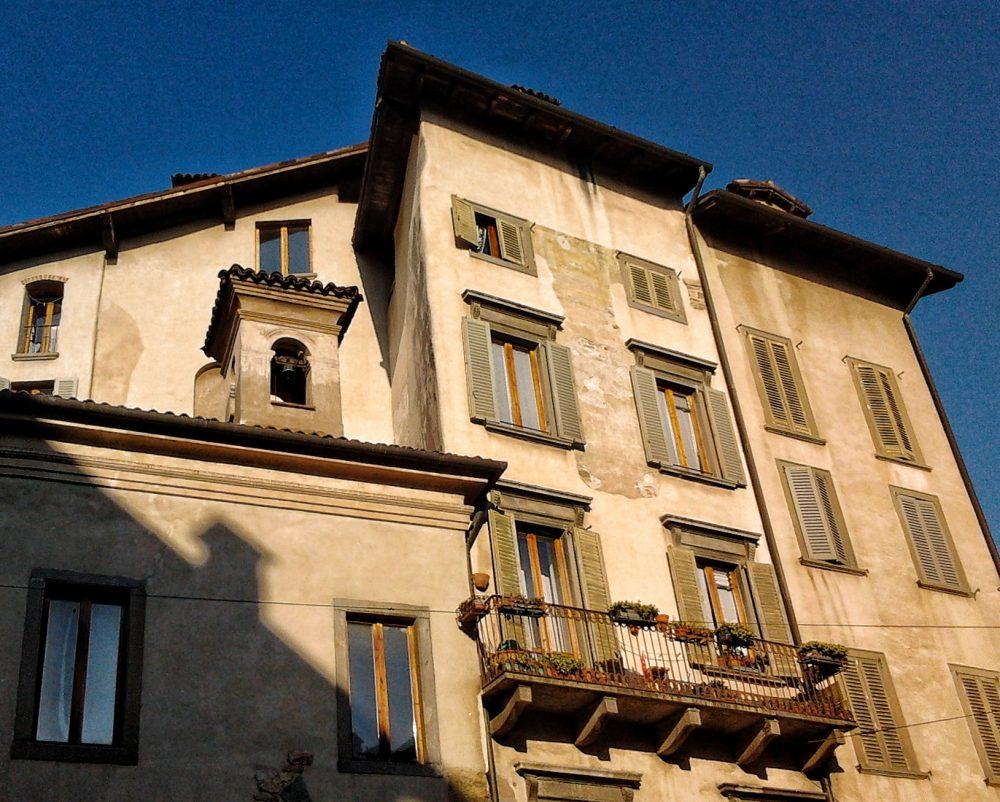 Piazza Mercato delle Scarpe a Bergamo
