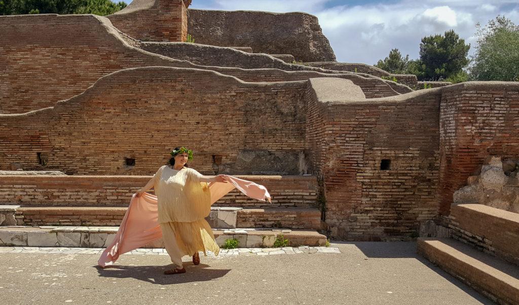 danzatrice romana ad ostia antica vicino a roma