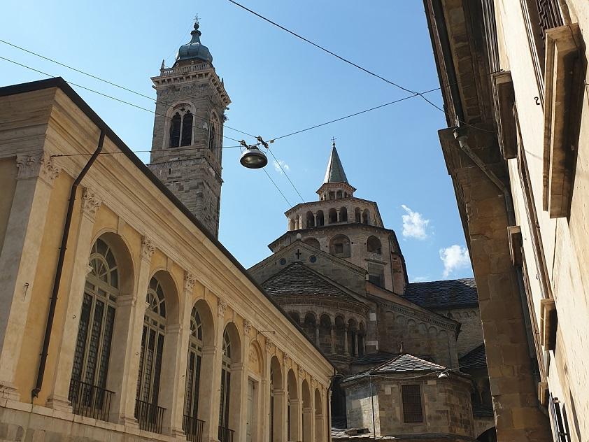abside di santa maria maggiore_bergamo alta_itinerarioa piedi