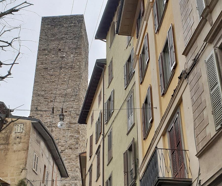 torre del gombito_bergamo alta_itinerario di un giorno