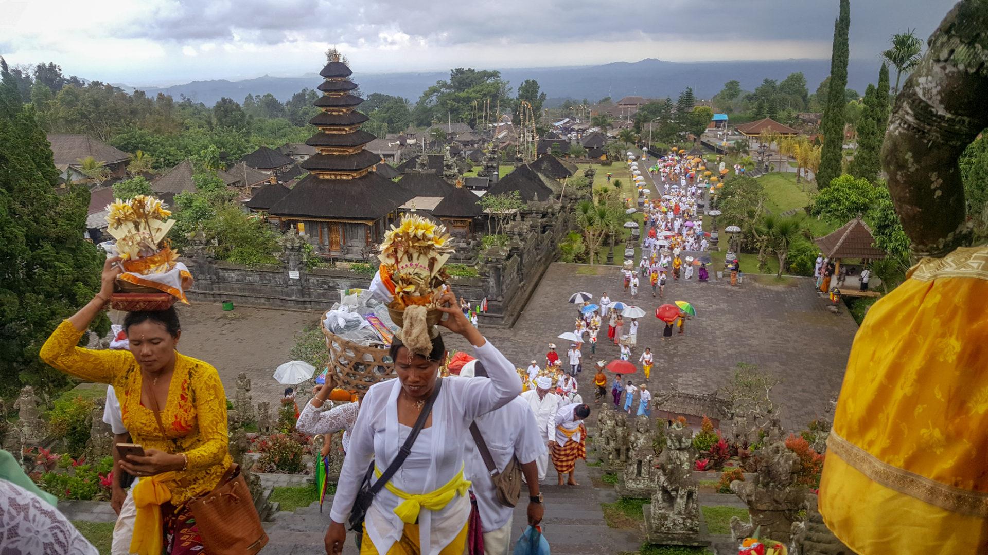 cosa vedere a bali_cerimonia al tempio madre