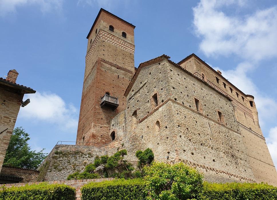 castello di serralunga d'alba_cosa vedere nelle langhe in due giorni