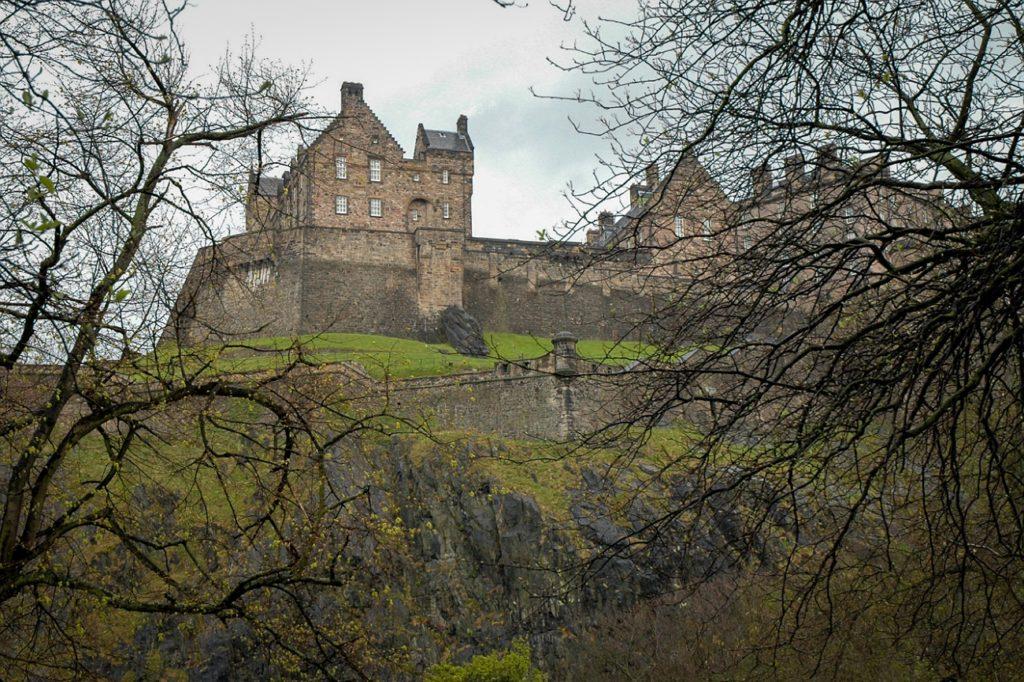 castello edimburgo dark