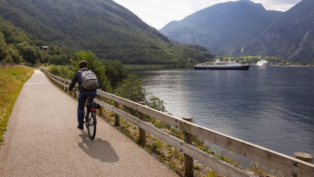 valigia norvegia estate come vestirsi