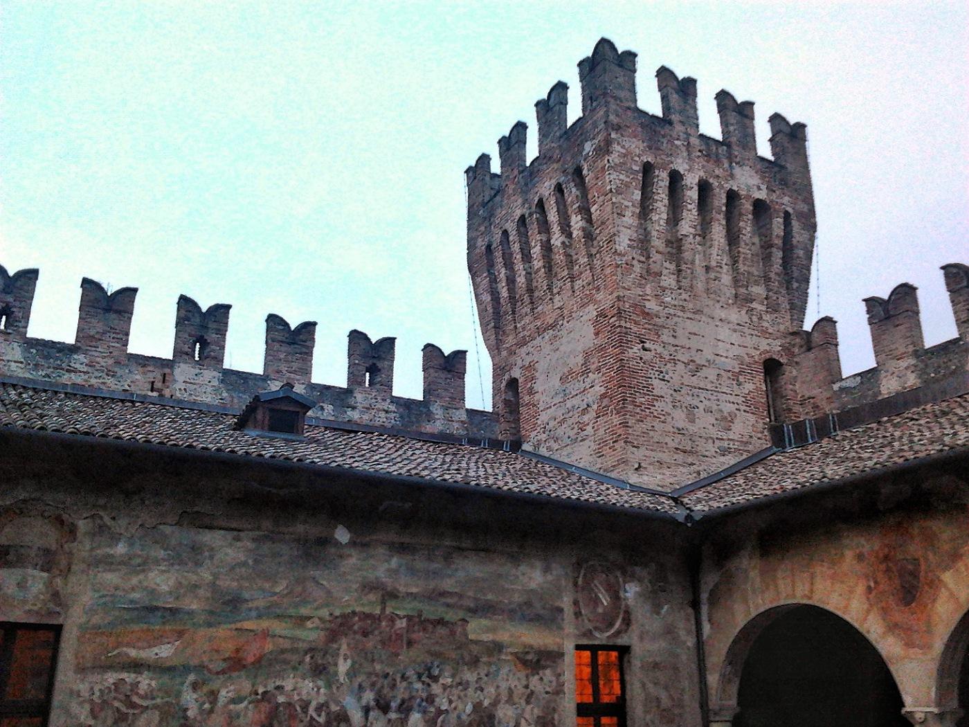 castello malpaga bergamo piove
