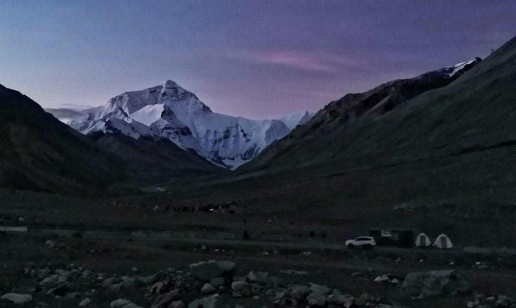 Tibet alba sul monte Everest
