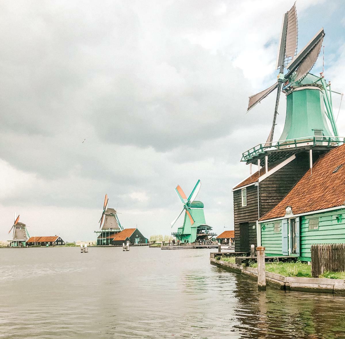 mulina a vento in olanda foto traveltrouble