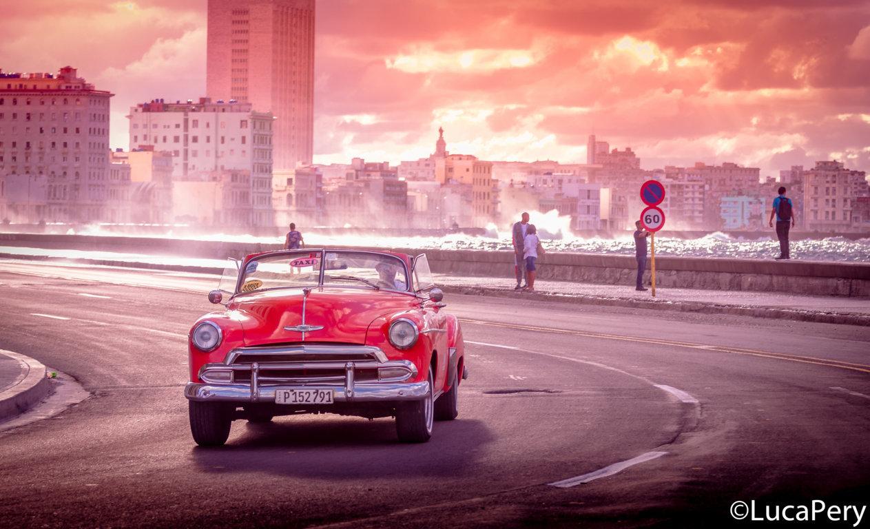 auto cubana su malecon