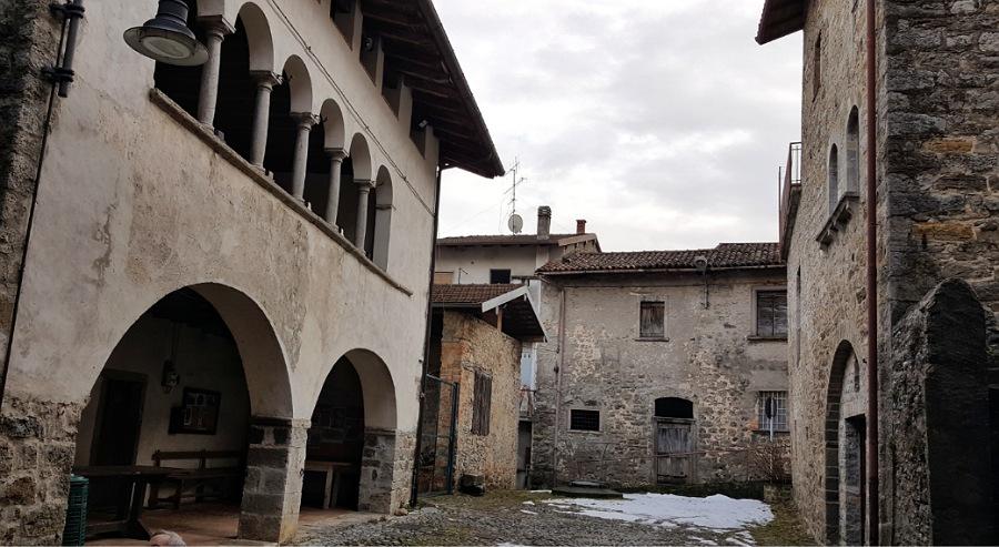 antico borgo amagno strozza valle imagna