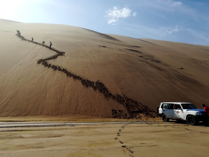 4x4 dune sandwich harbour in namibia