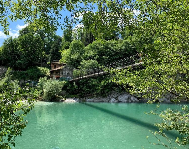 borgo clanezzo ponte traballante in valle imagna