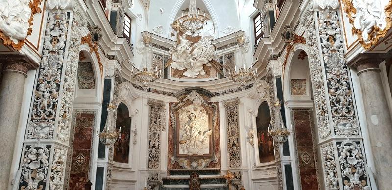 altare della chiesa del collegio dei gesuiti di trapani