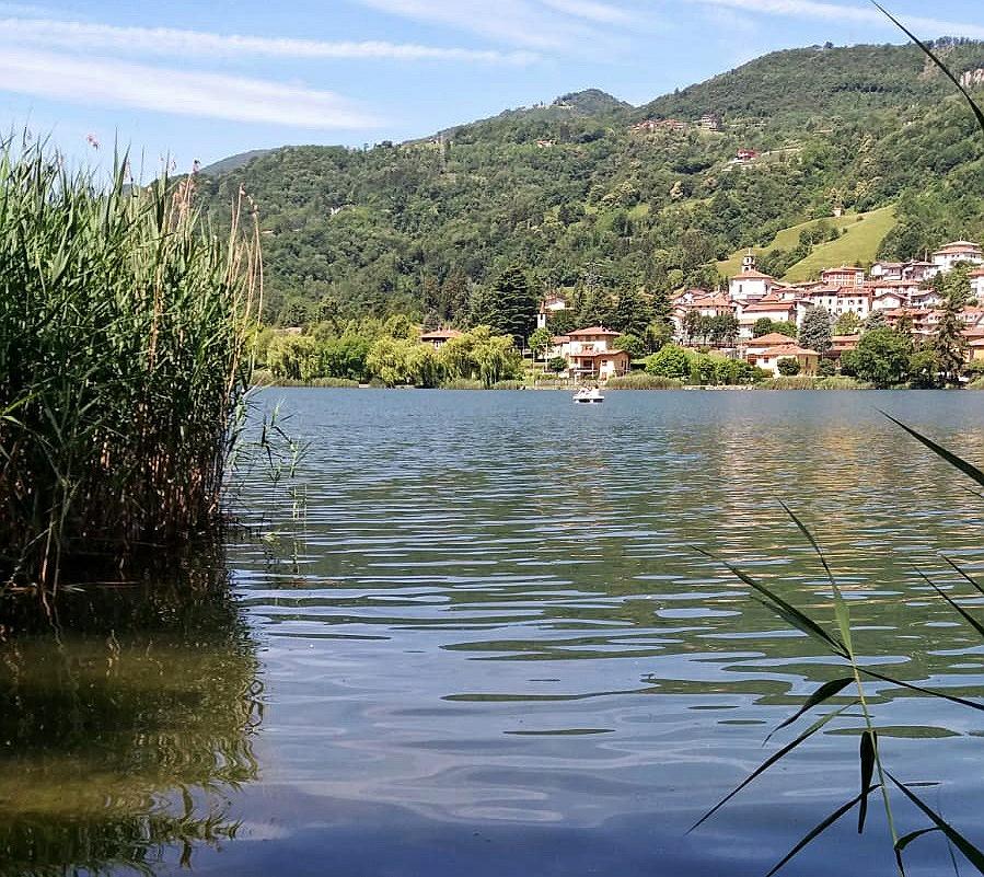 le tranquille accque del lago di endine
