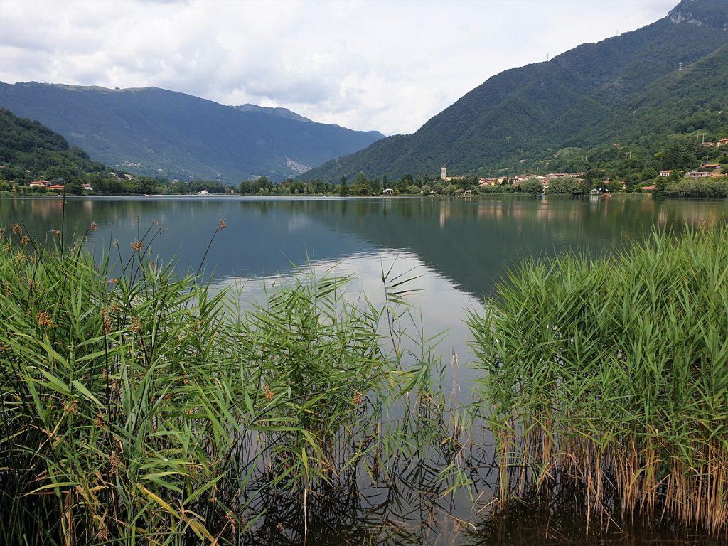 Panorama del Lago di Endine dalla passeggiata tra Spinone e Monasterolo