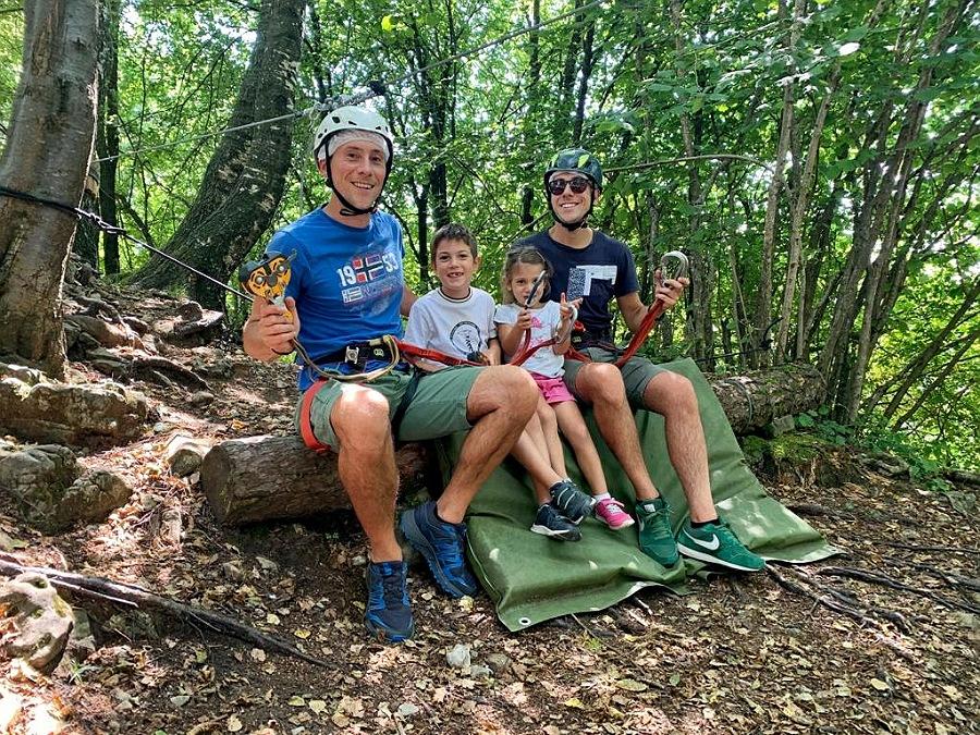 parco avventura per adulti al monte purito di selvino in provincia di bergamo